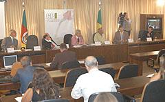 Reunião acontece no plenarinho da Assembléia