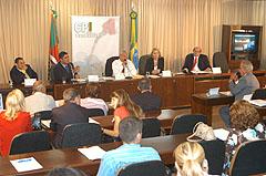 Deputados realizam reunião extraordinária às 10h