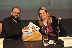 Manual de redação com capítulo sobre mídia inclusiva foi entregue aos jornalistas participantes